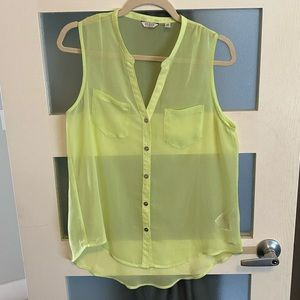 ▫️2/$15  GUESS blouse